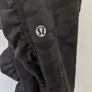 Lululemon Camo Leggings w/Pockets